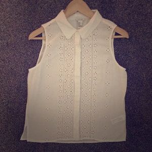 Forever 21 sleeveless button down shirt white